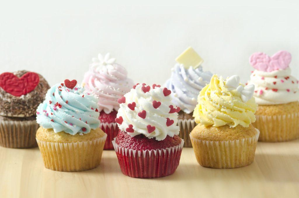 cupcake, dessert, cake-3723832.jpg