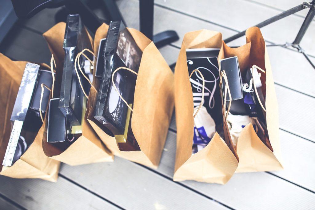 shop, shopping, bags-791582.jpg