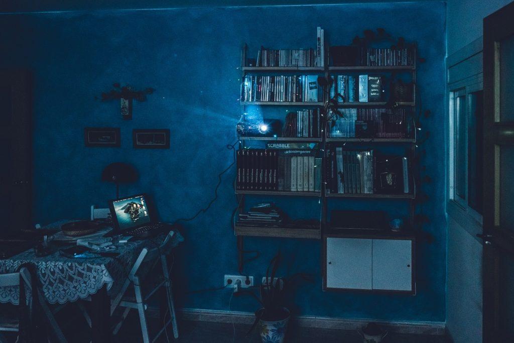 cinema, projector, house-5069314.jpg