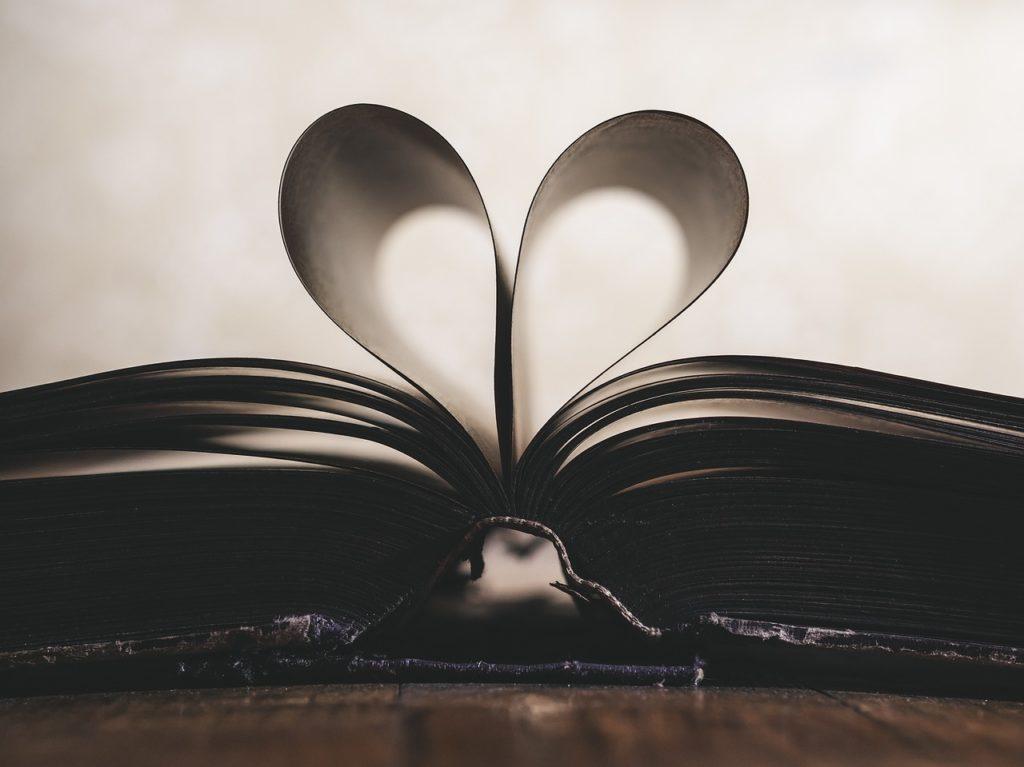 paper, heart, symbol-1100254.jpg