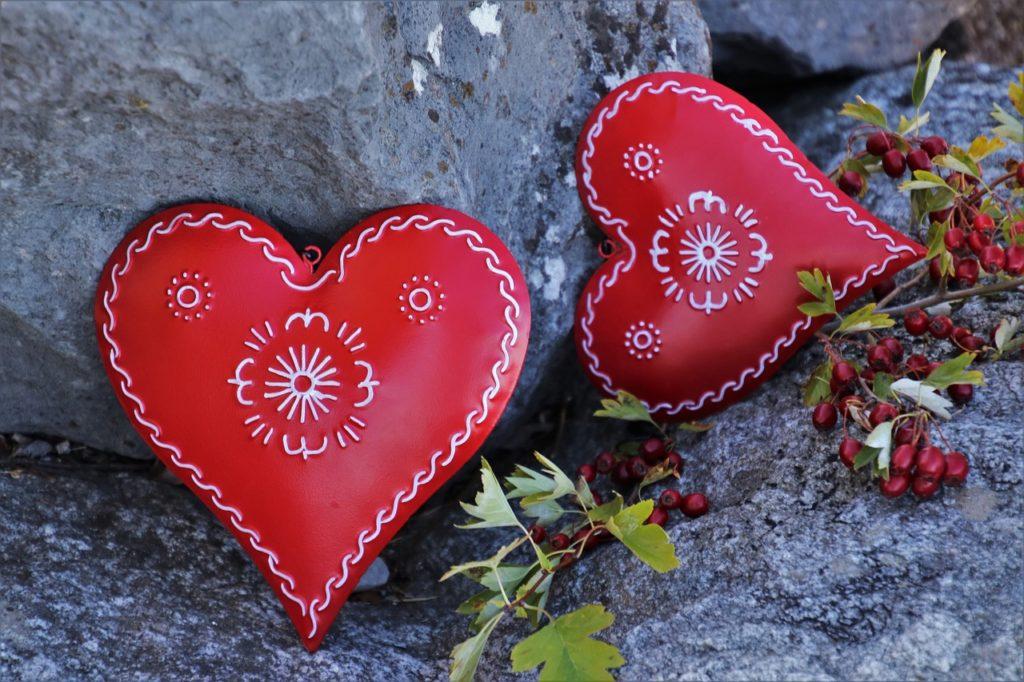 red, heart, feeling-3707726.jpg