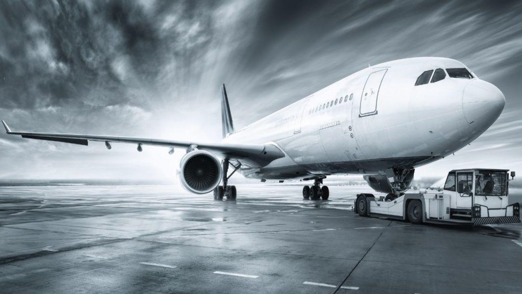 airplane for travel niche website